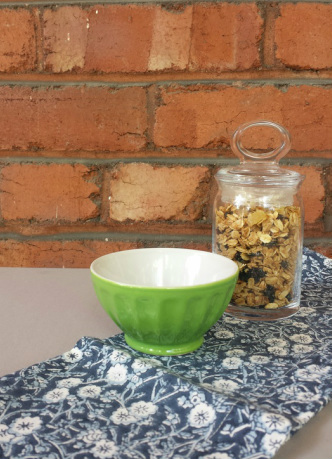 Homemade Granola {pistache and rose}